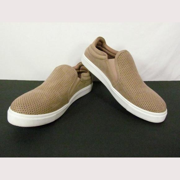 Steve Madden Tan Slip On Flats Sneakers